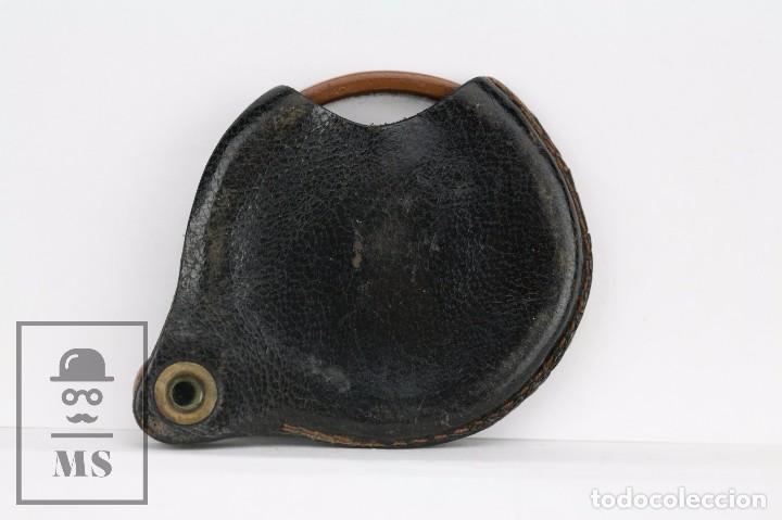 Antigüedades: Antigua Lupa de Bolsillo - Pasta Marrón y Funda de Piel - Primera Mitad Siglo XX - Medidas 6 x 5 cm - Foto 2 - 101617167