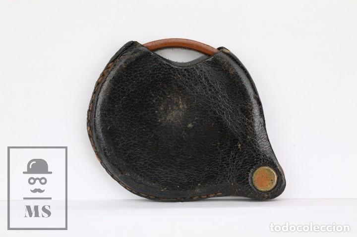 Antigüedades: Antigua Lupa de Bolsillo - Pasta Marrón y Funda de Piel - Primera Mitad Siglo XX - Medidas 6 x 5 cm - Foto 3 - 101617167