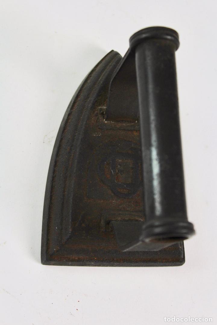 PLANCHA DE HIERRO. S.XIX. (Antigüedades - Técnicas - Planchas Antiguas - Hierro)