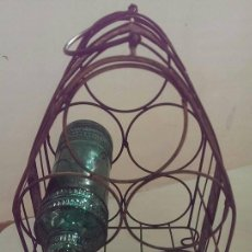 Antigüedades: ANTIGUO BOTELLERO HIERRO 5 BOTELLAS ARTESANAL MUY TRABAJADO. Lote 101637135