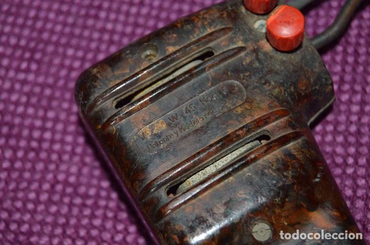 Antigüedades: MUY ANTIGUO, RARO Y FUNCIONANDO - SOLDADOR PISTOLA ARION MODELO P - SPAIN - 220V 45W - HAZ OFERTA - Foto 3 - 102351775