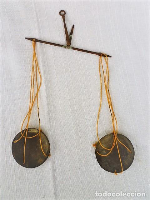 Antigüedades: BALANZA - ANTIGUA CAJA DE MADERA LABRADA PARA BASCULA - - Foto 2 - 102483319