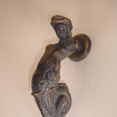 Antigüedades: ALDABA CON FORMA DE SIRENA. Lote 102529055