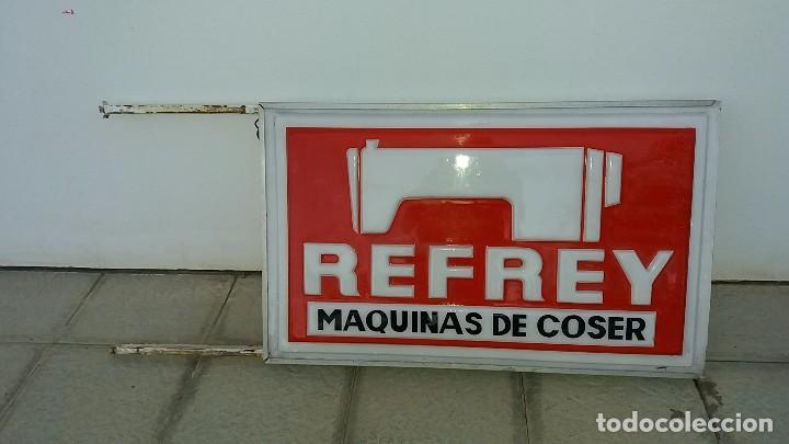 Antigüedades: Antiguo letrero MÁQUINAS DE COSER REFREY cartel máquina antigua fábrica de Vigo Pontevedra - Foto 4 - 102645587