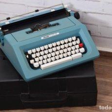 Máquina de escribir OLIVETTI STUDIO 46 color azul celeste con caja plastica