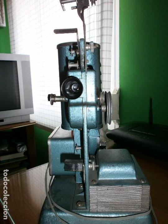 Antigüedades: PROYECTOR DE CINE JEFE LUX PATENTADO - 9,5 M/M DE 75 W - INDUSTRIAS SALUDES VALENCIA - MANUAL - Foto 3 - 102933691