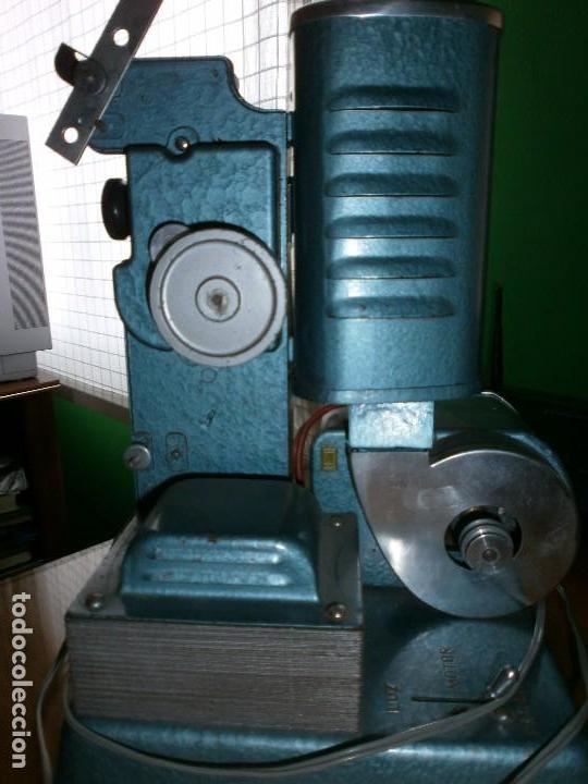 Antigüedades: PROYECTOR DE CINE JEFE LUX PATENTADO - 9,5 M/M DE 75 W - INDUSTRIAS SALUDES VALENCIA - MANUAL - Foto 5 - 102933691