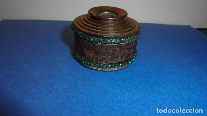 ANTIGUO MONOCULAR - BRONCE PIEDRAS , PIEL . S. XIX SOBREDORADO ,MARCA DEL FABRICANTE ILEGIBLE , (Antigüedades - Técnicas - Otros Instrumentos Ópticos Antiguos)