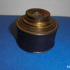Antigüedades: ANTIGUO MONOCULAR - BRONCE , PIEL . S. XIX SOBREDORADO ,MARCA DEL FABRICANTE ILEGIBLE , . Lote 102959179