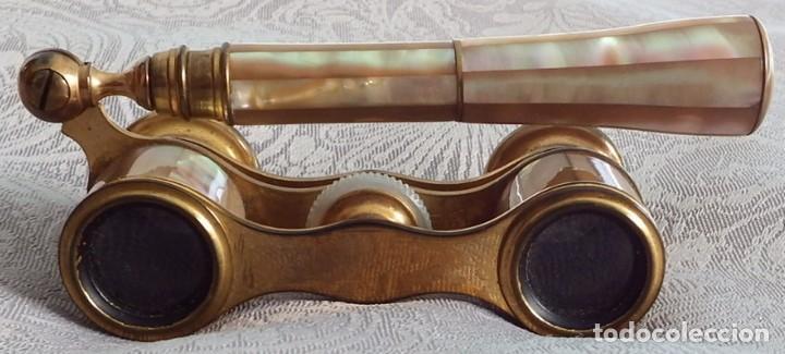 PRISMÁTICOS BINOCULARES ANTIGUOS DE TEATRO EN NÁCAR CON MANGO (Antigüedades - Técnicas - Instrumentos Ópticos - Binoculares Antiguos)