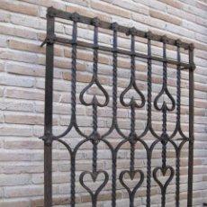 Antigüedades: REJA EN HIERRO MACIZO - FORJADO DE ESCUELA TOLEDANA - JULIO PASCUAL MARTIN. TOLEDO. FORJA.. Lote 103320055