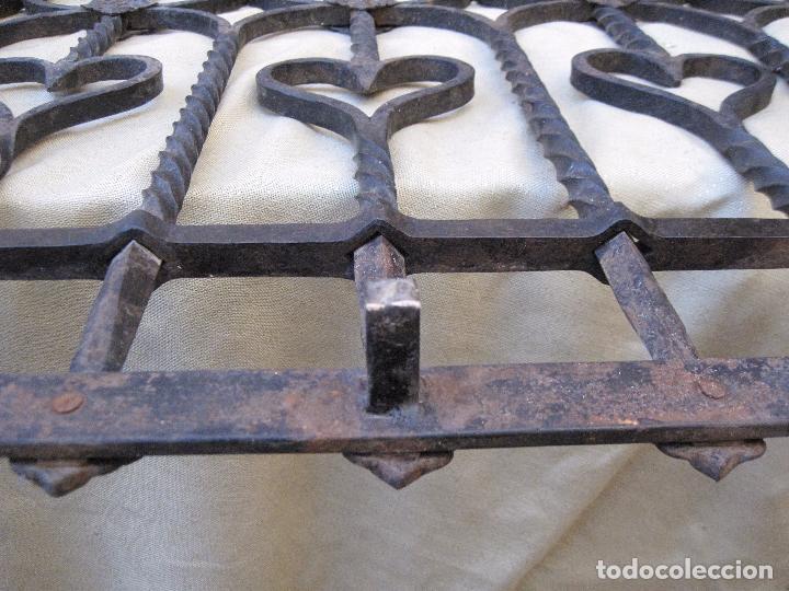Antigüedades: REJA EN HIERRO MACIZO - FORJADO DE ESCUELA TOLEDANA - JULIO PASCUAL MARTIN. TOLEDO. FORJA. - Foto 7 - 103320055