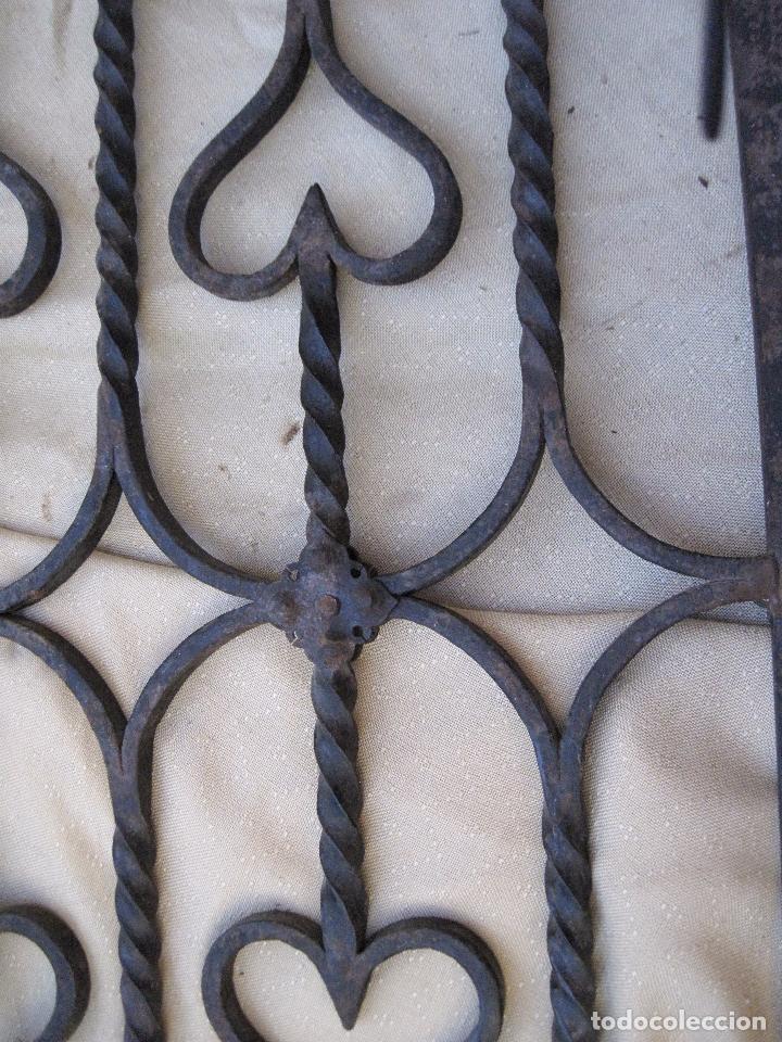 Antigüedades: REJA EN HIERRO MACIZO - FORJADO DE ESCUELA TOLEDANA - JULIO PASCUAL MARTIN. TOLEDO. FORJA. - Foto 8 - 103320055