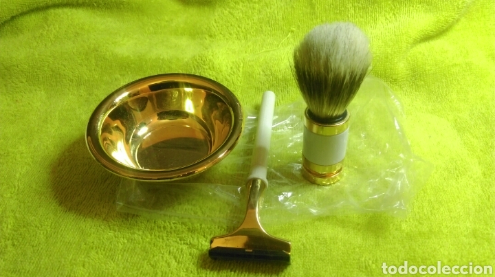 WILKINSON SWORD KIT AFEITAR (Antigüedades - Técnicas - Barbería - Varios Barbería Antiguas)