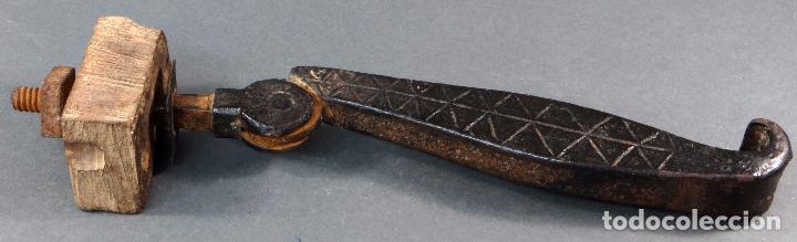 ALDABA LLAMADOR HIERRO MUDEJAR DECORACIÓN GEOMETRICA FINALES SIGLO XVI (Antigüedades - Técnicas - Cerrajería y Forja - Aldabas Antiguas)