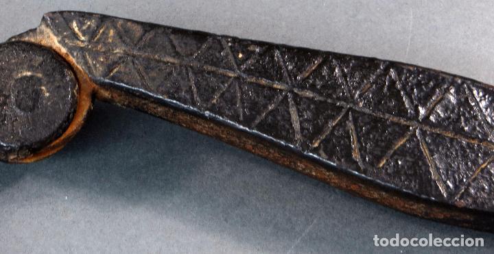 Antigüedades: Aldaba llamador hierro mudejar decoración geometrica finales siglo XVI - Foto 6 - 103368407