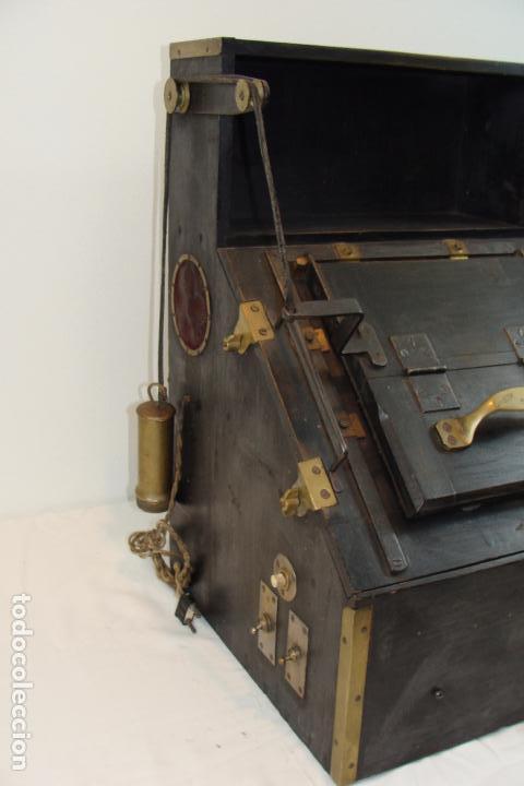 Antigüedades: Maquina de revelado de fotografía en cristal - Principios Siglo XX - Foto 2 - 103389571