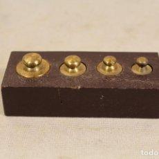 Antigüedades: JUEGO DE 4 PESAS - PONDERALES EN BRONCE. Lote 103558511
