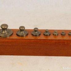 Antigüedades: JUEGO DE 8 PESAS - PONDERALES EN BRONCE . Lote 103562143
