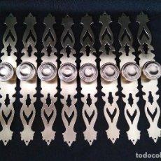 Antigüedades: 8 POMOS TIRADORES ANTIGUOS CON MOLDURA - AÑOS 60. Lote 103722967