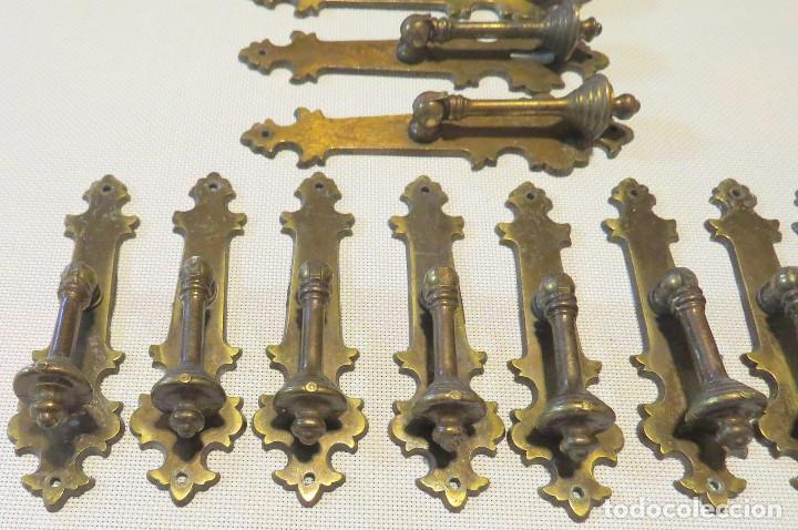 Antigüedades: 12 TIRADORES PUERTAS ARMARIOS-MUEBLES ANTIGUOS (9+3) - Foto 5 - 103796159