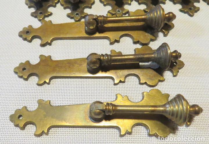 Antigüedades: 12 TIRADORES PUERTAS ARMARIOS-MUEBLES ANTIGUOS (9+3) - Foto 7 - 103796159