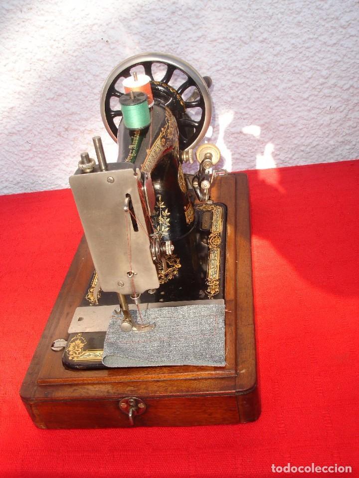 Antigüedades: PRECIOSA Y ANTIGUA MAQUINA DE COSER, SINGER, MODELO 28K, AÑO 1898 FUNCIONA Y COSE - Foto 3 - 103935879