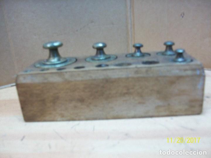 Antigüedades: ANTIGUO TACO CON 5 PESAS DE BRONCE- - Foto 2 - 103943951