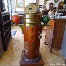 Antigüedades: ESPECTACULAR BITÁCORA ANTIGUA INGLESA DE CAOBA Y BRONCE COMPLETA AÑOS 30/40, CON LAMPARA. Lote 103953303