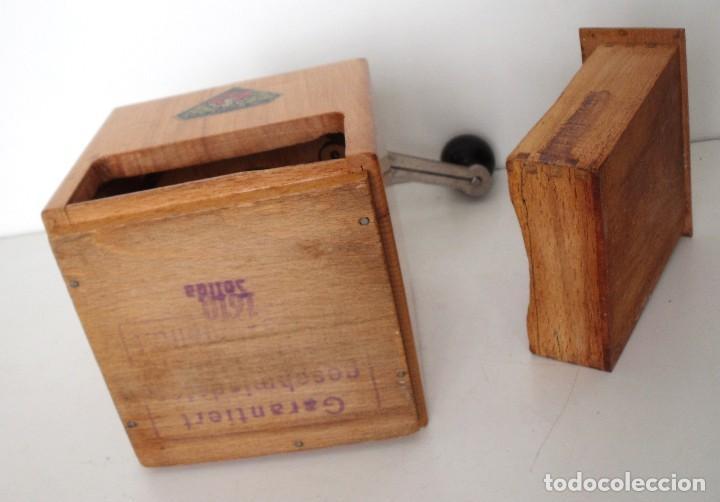 Antigüedades: MOLINILLO DE CAFÉ MARCA DIENES. MODELO 1610-SOLIDA. ALEMANIA. CA. 1950 - Foto 12 - 103999351