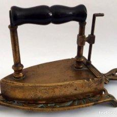 Antigüedades: PLANCHA EN BRONCE. Lote 104040499