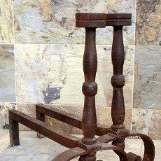 Antigüedades: ENORMES MORILLOS DE HIERRO FORJADO - IMPORTANTES PIEZAS DE CHIMENEA - DECORACIÓN - FORJA - 15KG C/U. Lote 104044903