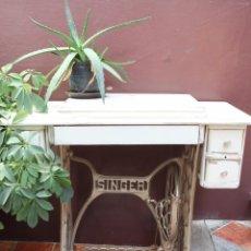 Antigüedades: MESA SINGER, SIN CABEZA DE MAQUINA.. Lote 104059531