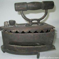 Antigüedades: PLANCHA DE HIERRO ANTIGUA. Lote 104086284
