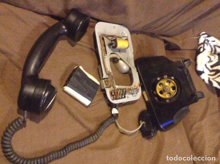 Teléfonos: ANTIGUO TELÉFONO DE BAQUELITA CON MANIVELA FUNCIONA - Foto 2 - 104105287