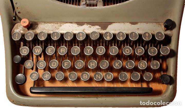 Antigüedades: Máquina de escribir Hispano Olivetti, modelo Lexicon 80 - Foto 4 - 104170379