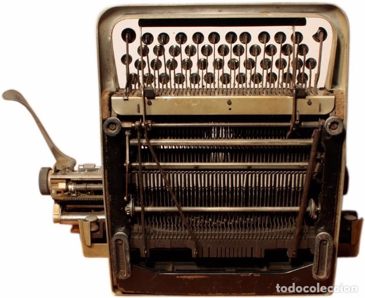 Antigüedades: Máquina de escribir Hispano Olivetti, modelo Lexicon 80 - Foto 6 - 104170379