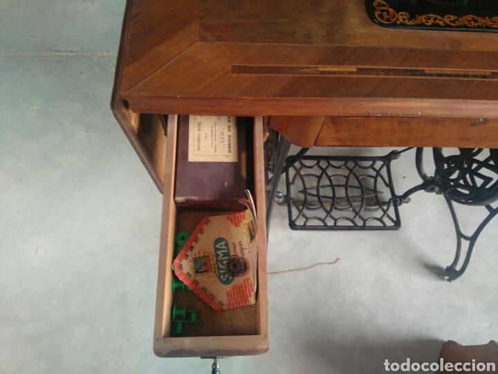 Antigüedades: Maquina de coser de pedal y pie de hierro alfa perfecto estado - Foto 5 - 104263347