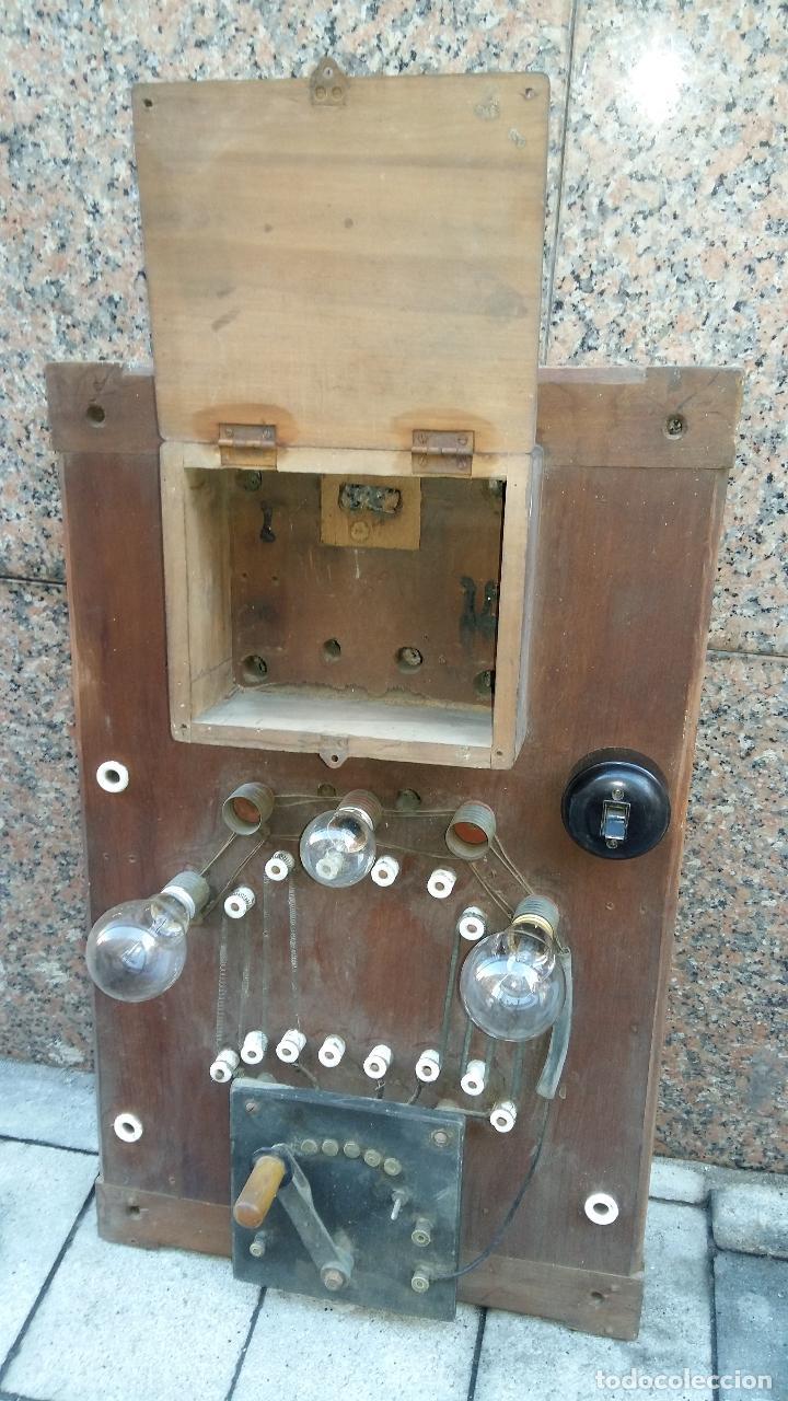 ANTIGUO PANEL O CUADRO ELÉCTRICO, GRANDE. (Antigüedades - Técnicas - Herramientas Profesionales - Electricidad)