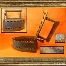 Antigüedades: ANTIGUA Y RARA PLANCHA DE SASTRE EN FUNDICIÓN DALLI 3,400 KGRS.. Lote 104310423