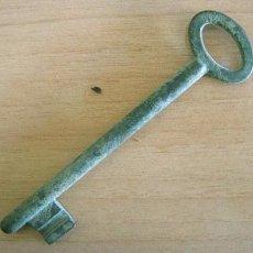 Antigüedades: LLAVE BRONCE FUNDICIÓN ESPAÑOLA. Lote 104341843