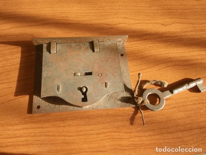 CERRADURA COMPLETA , MIDE 9,5CM X 7 CM (Antigüedades - Técnicas - Cerrajería y Forja - Cerraduras Antiguas)