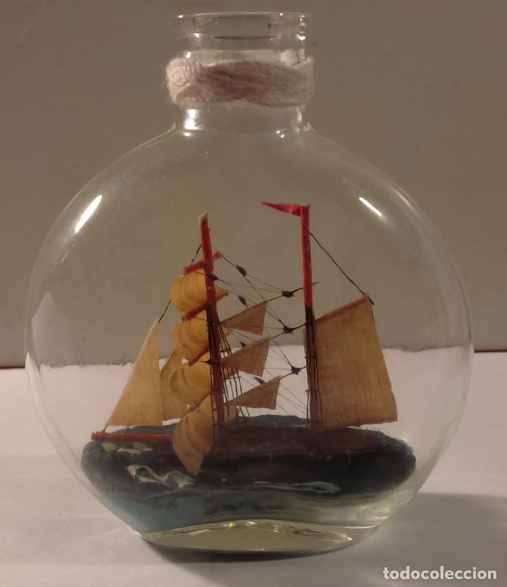 Barco en botella ovalada de vidrio soplado ver comprar - Antiguedades de barcos ...