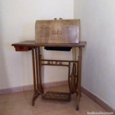 Antigüedades - Maquina de coser Alfa - 104604547