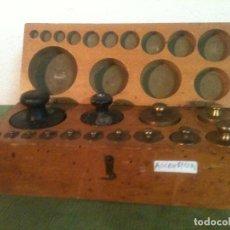Antiques - FABULOSO ANTIGUO Y COMPLETO JUEGO DE 14 PESAS DE 1 g a 1000 g (A01) - 104690711