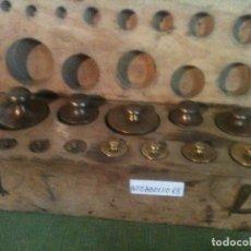 Antigüedades: FABULOSO ANTIGUO Y COMPLETO JUEGO DE 13 PESAS DE BRONCE DE 1G A 500G (A02). Lote 104690963