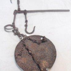 Antigüedades: BALANZA DE PLATO Y TRES CADENAS. Lote 104718831