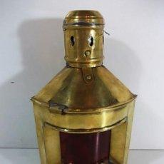 Antigüedades: ANTIGUO FAROL DE BARCO ESQUINERO EN LATÓN Y CRISTAL ROJO. Lote 104722567