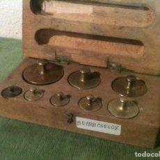Antigüedades: COMPLETO Y ANTIGUO JUEGO DE 8 PESAS DE BRONCE DE 5G A 200G (B01). Lote 104782539