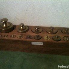 Antigüedades: FANTASTICO ANTIGUO JUEGO DE 15 PESAS DE BRONCE DE 1G A 1000G (E03). Lote 104796203